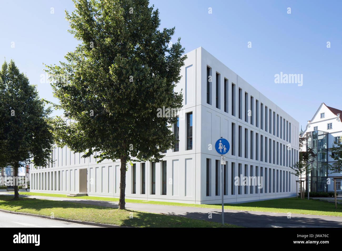 Architekten Biberach corner elevation of rear with context finanzamt finance office