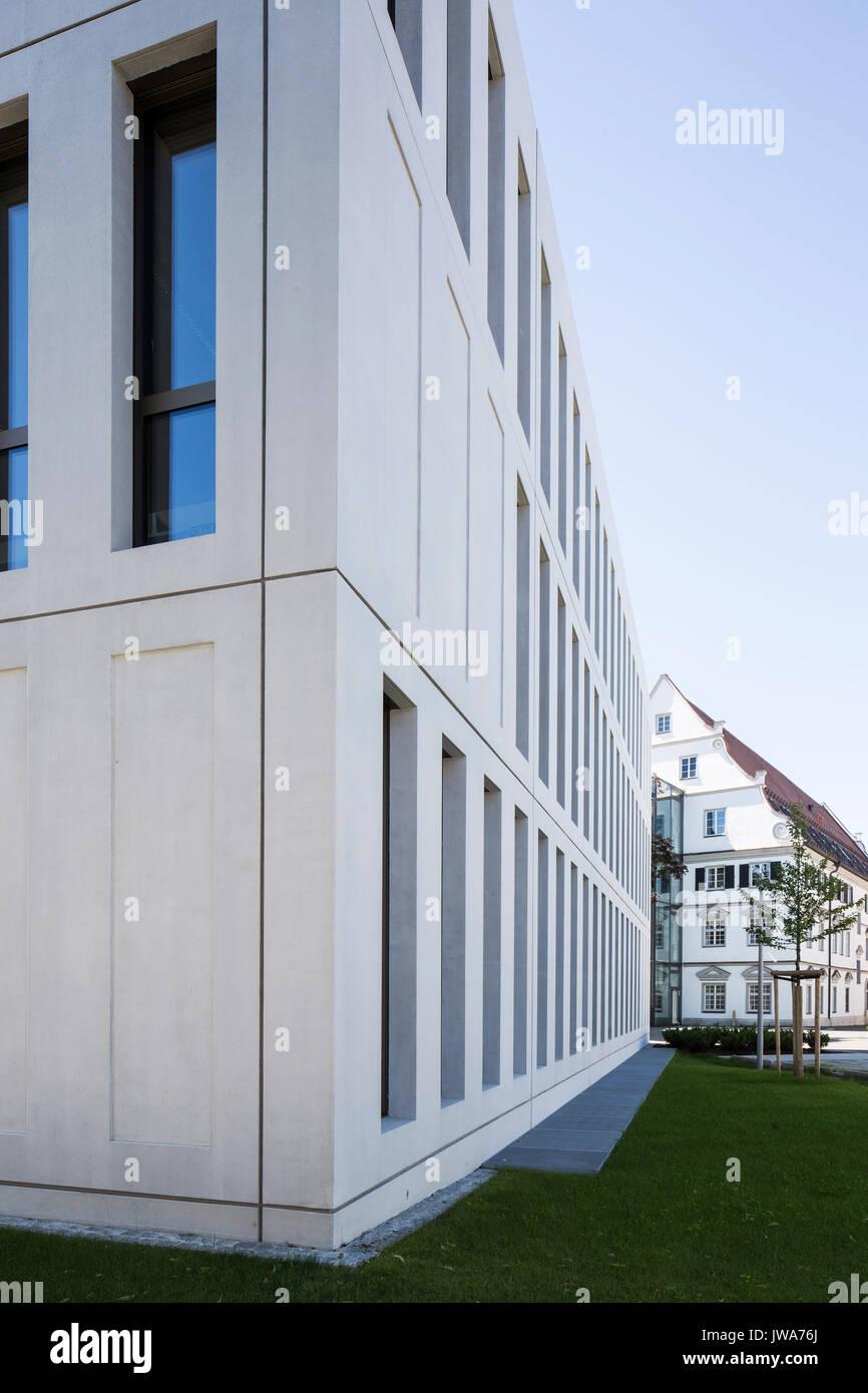 Architekten Biberach corner elevation detail of concrete facade finanzamt finance