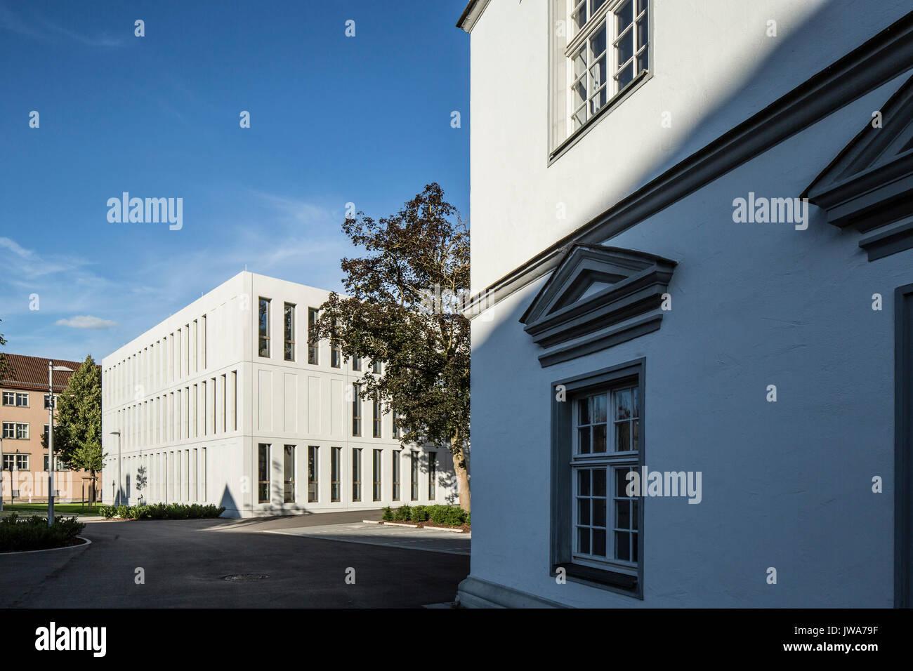 Architekten Biberach juxtaposition of and modern facade finanzamt finance office