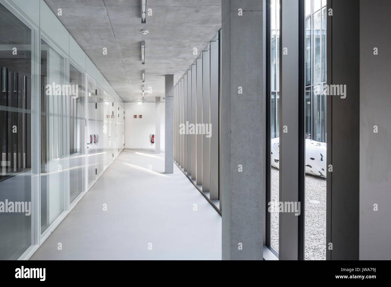 Architekten Biberach corridor with window wall towards courtyard finanzamt finance