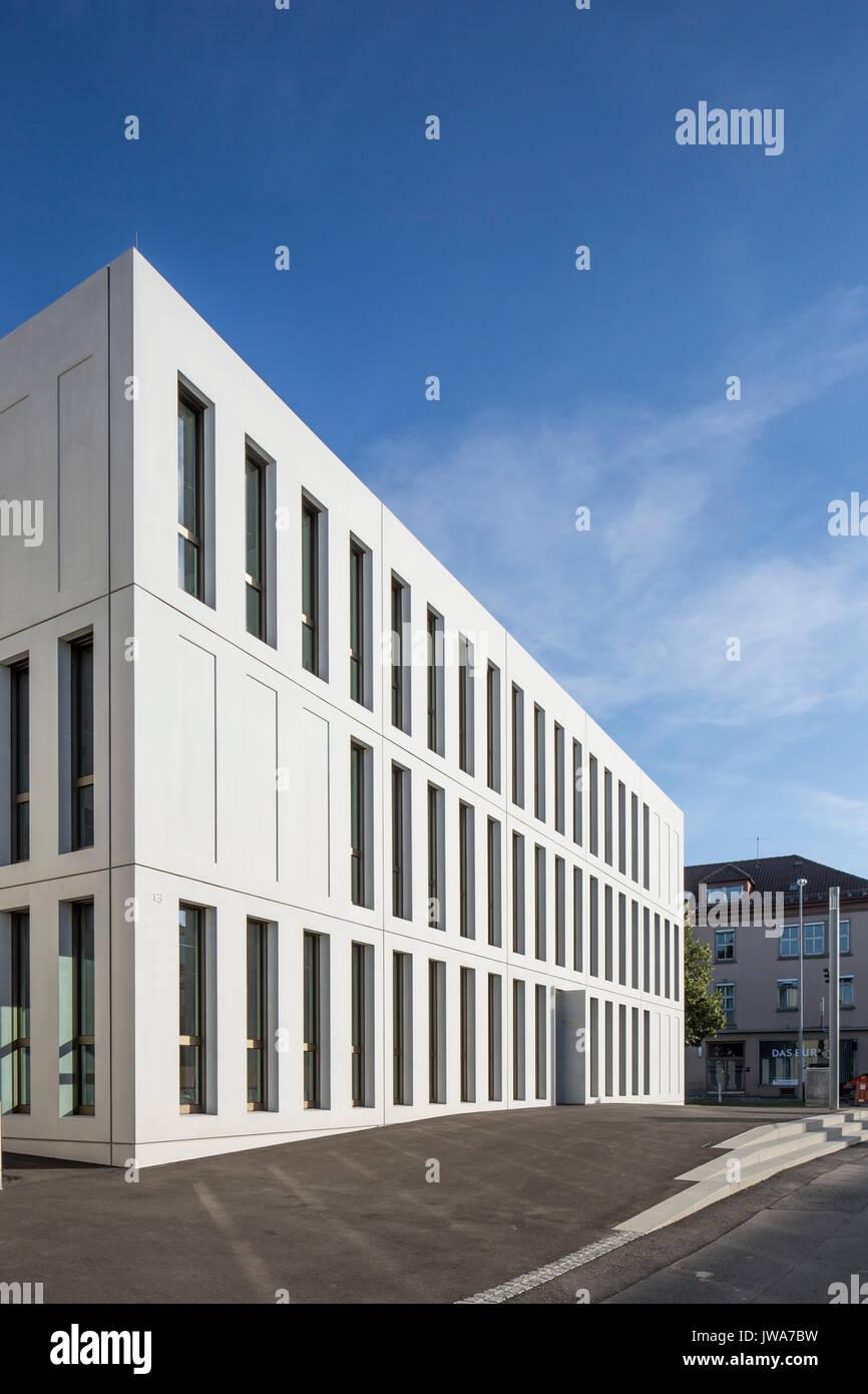 Architekten Biberach view along entrance facade finanzamt finance office biberach