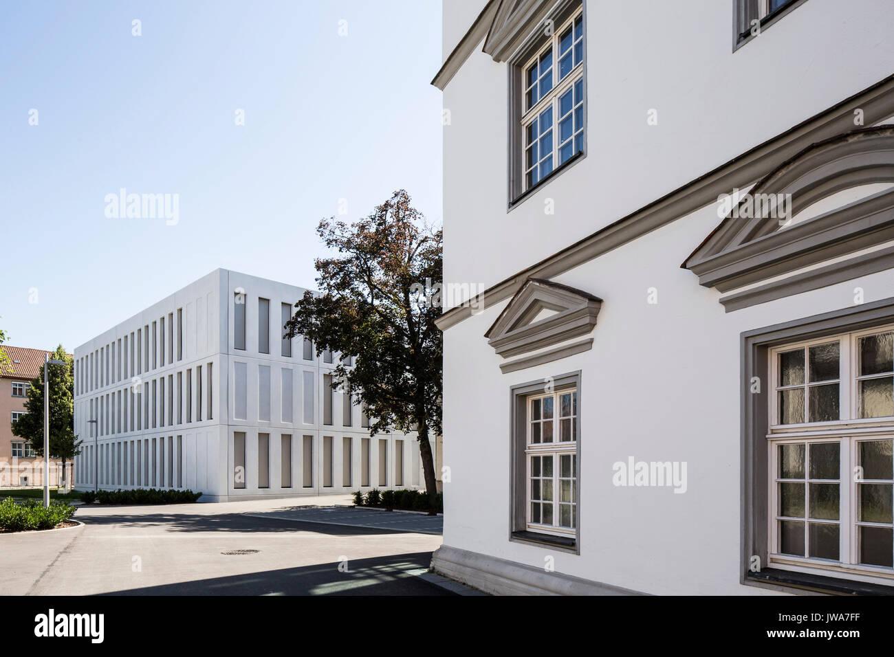 Architekten Biberach juxtaposition of and modern facades finanzamt finance office