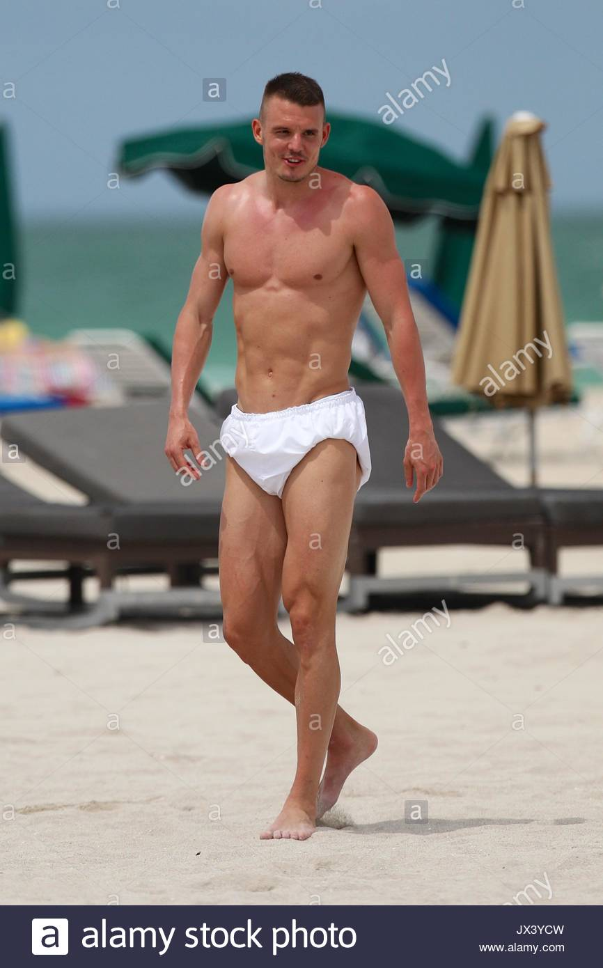 alexander meier eintracht frankfurt star alexander meier shirtless on the beach in miami beach