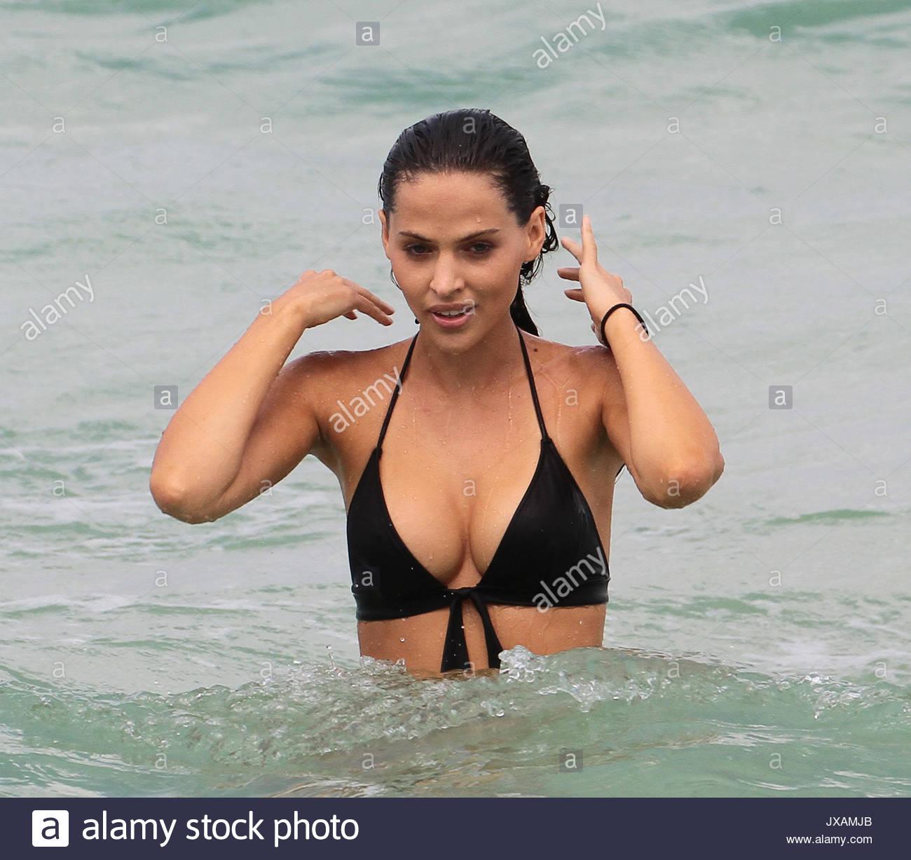 Angelina jolie interracial fakes