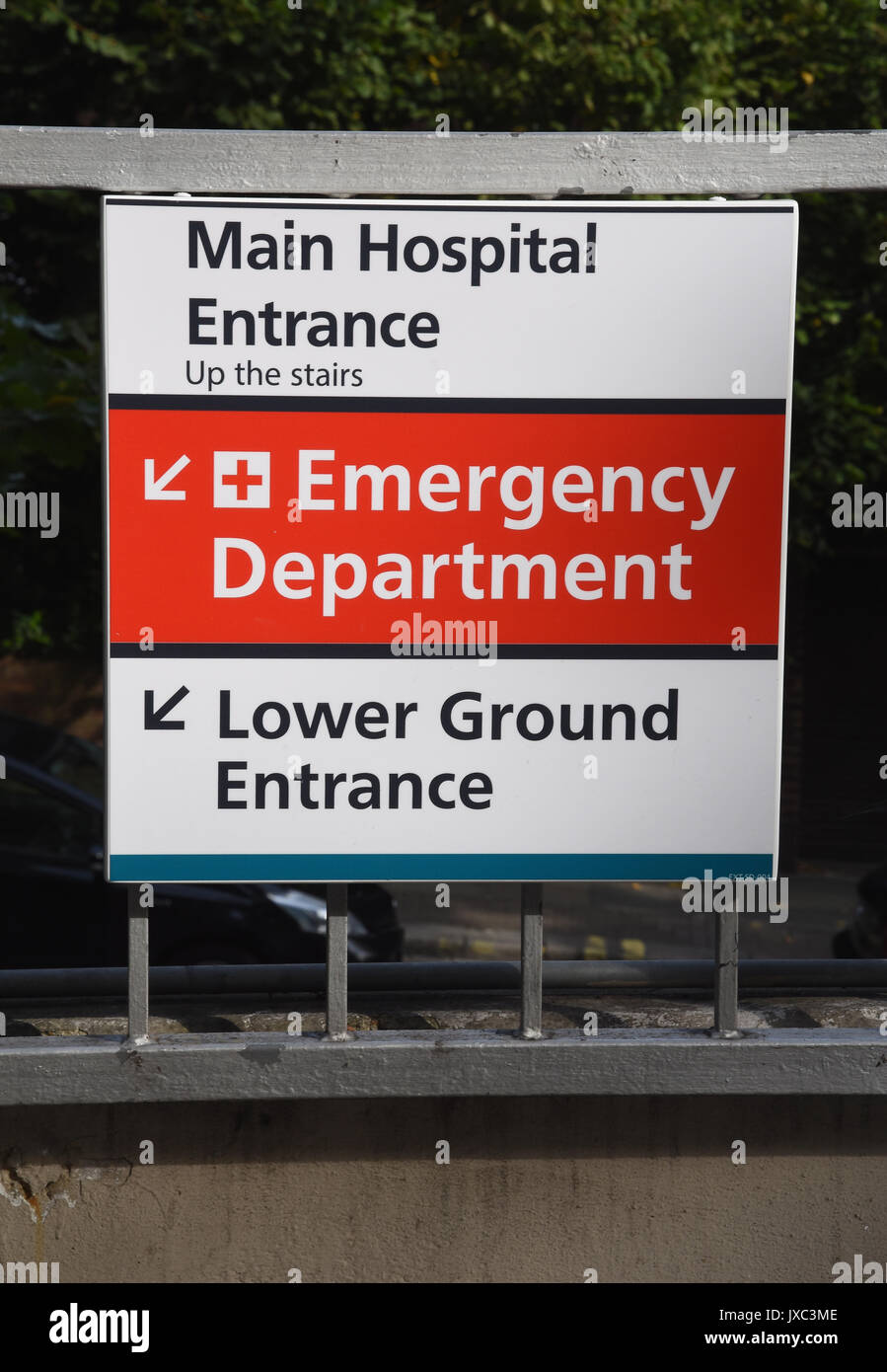 Hospital main entrance and emergency department signroyal free hospital main entrance and emergency department signroyal free hospitalpond streethampsteadlondon 160817 sciox Image collections