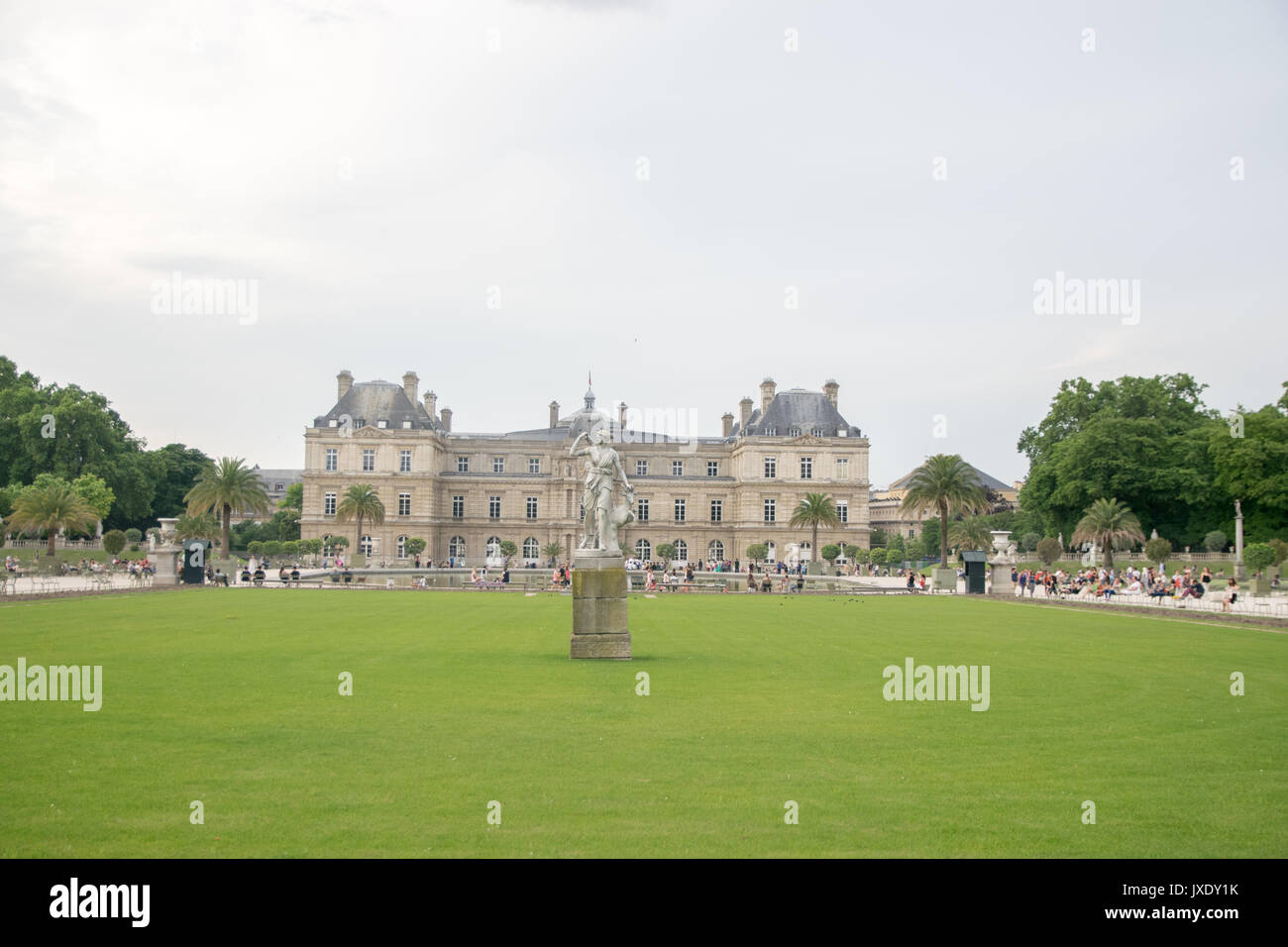 Jardin Du Palais Royal Stock Photos & Jardin Du Palais Royal Stock ...