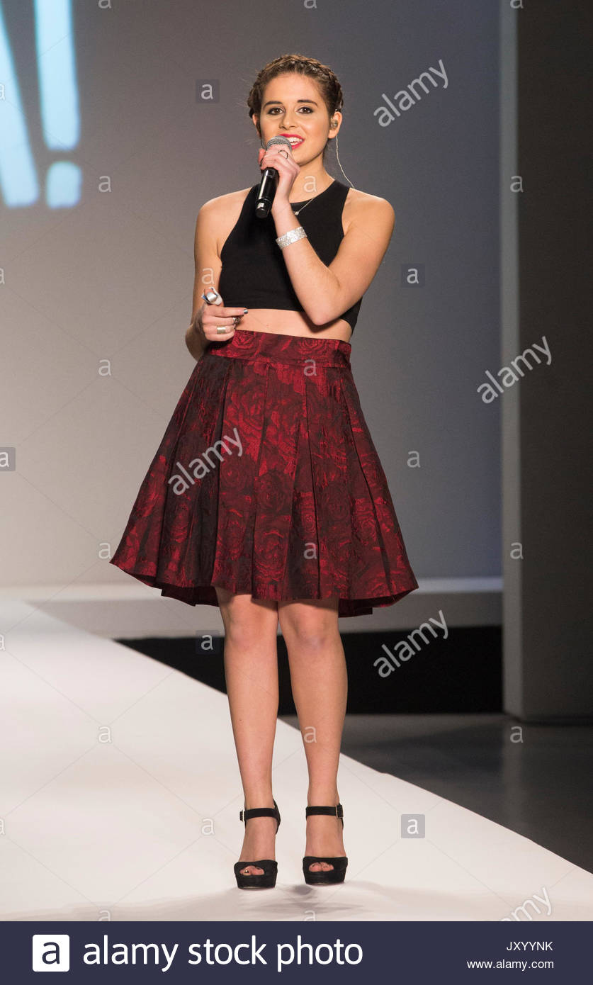 Carly Rose Sonenclar Nike Levi 39 S Kids 39 Kids Rock 39 Fashion