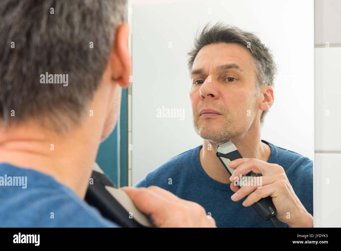 face shave stock photos face shave stock images alamy. Black Bedroom Furniture Sets. Home Design Ideas