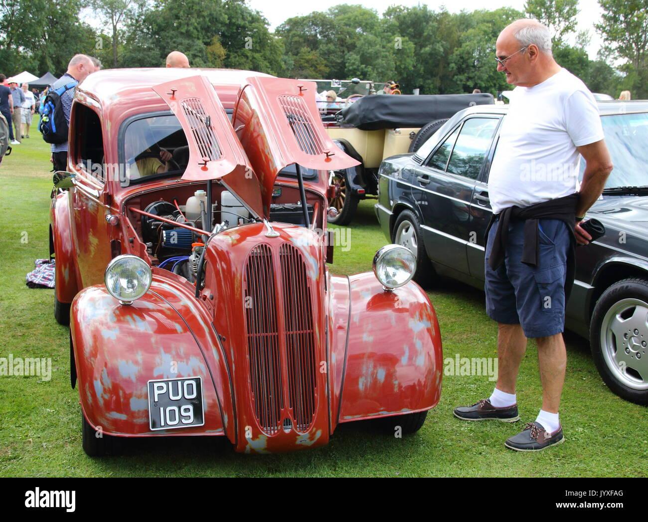 Tewin Classic Car Show