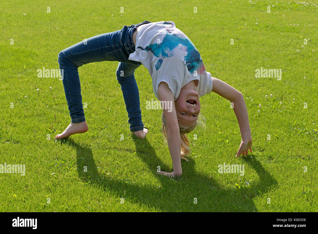 Backbend Stock Photos Amp Backbend Stock Images Alamy