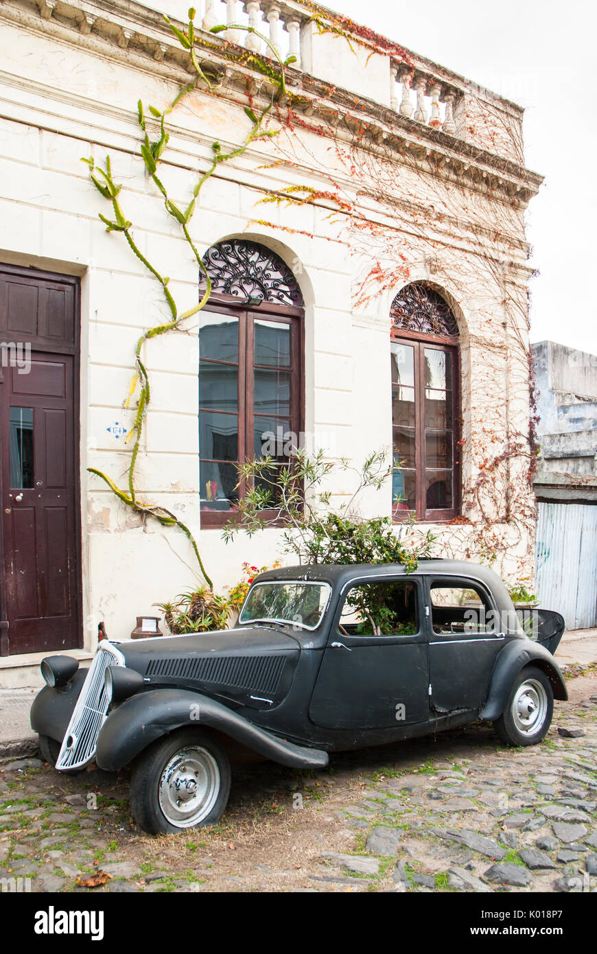 Old vintage car in the cobbled streets of Colonia del Sacramento ...