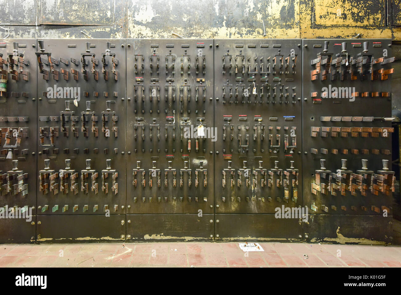 Circuit Breaker Fuse Box Handle Schematics Wiring Diagrams Home Electrical Cover Old Fuses Stock Photos