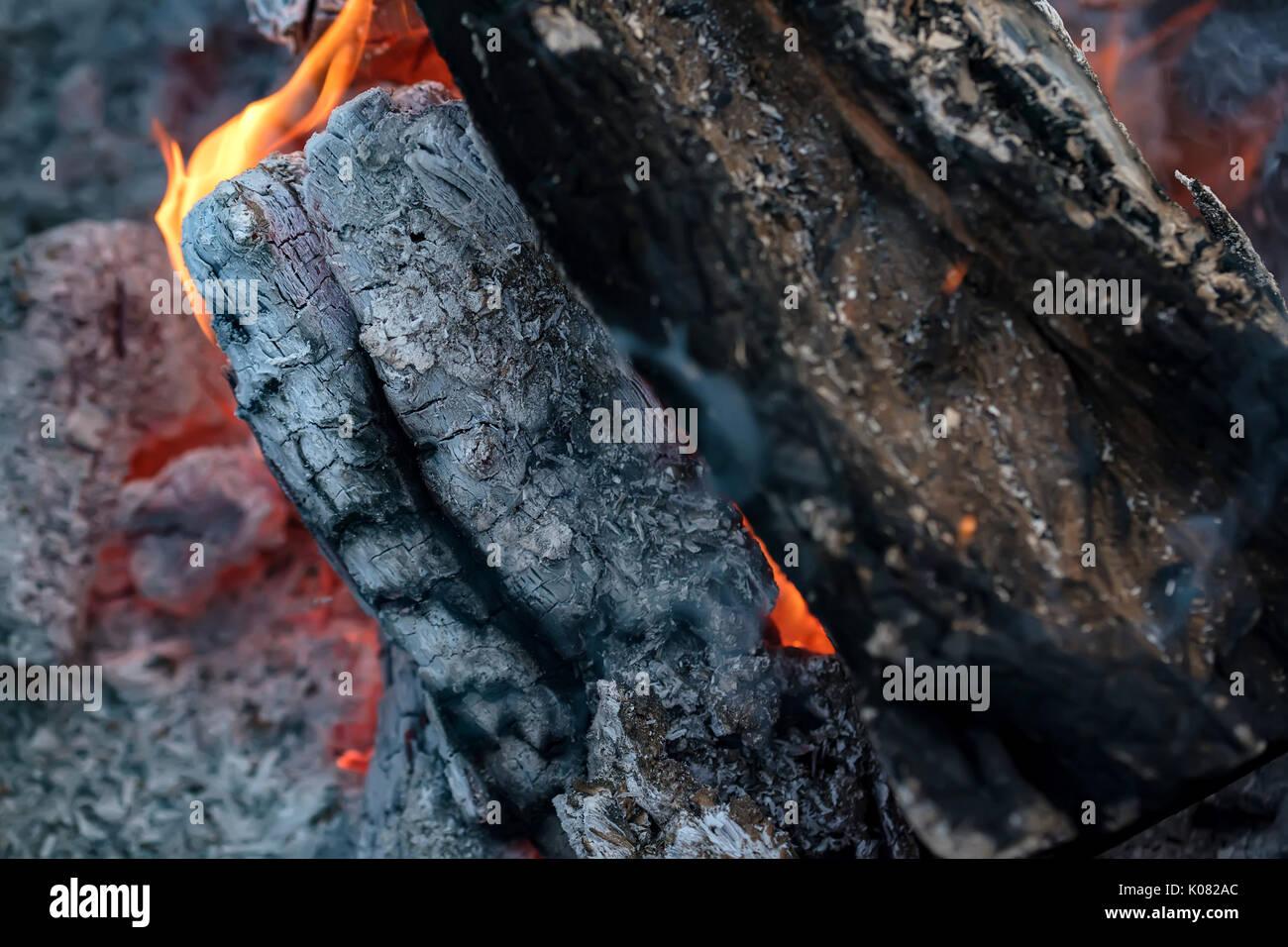 ashes burning charcoal stock photos u0026 ashes burning charcoal stock