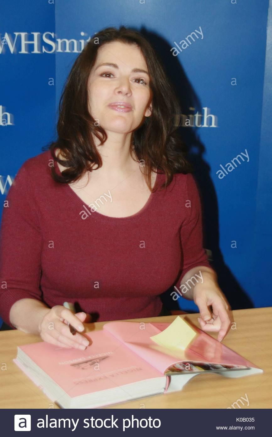 celebrity book signings – HOLLYWOOD BEACHBUM