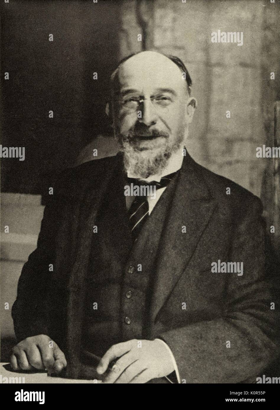 erik satie Erik satie was born on may 17, 1866 in honfleur, calvados, france as erik alfred leslie-satie he died on july 5, 1925 in arcueil, seine [now val-de-marne], france.