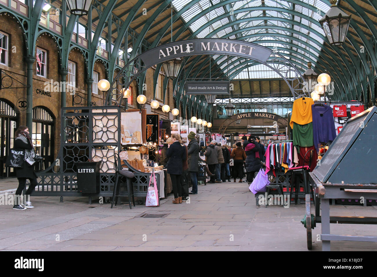 Covent garden flower market interior small 2 - London Uk February 10 Famous Apple Market Inside Covent Garden With People Walking