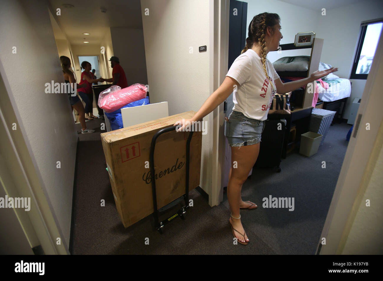 August 25, 2017   San Diego, California, USA   Incoming 2017 Freshmen  Students At San Diego State University Moved Into Their Dorm Rooms Friday,  ... Part 78