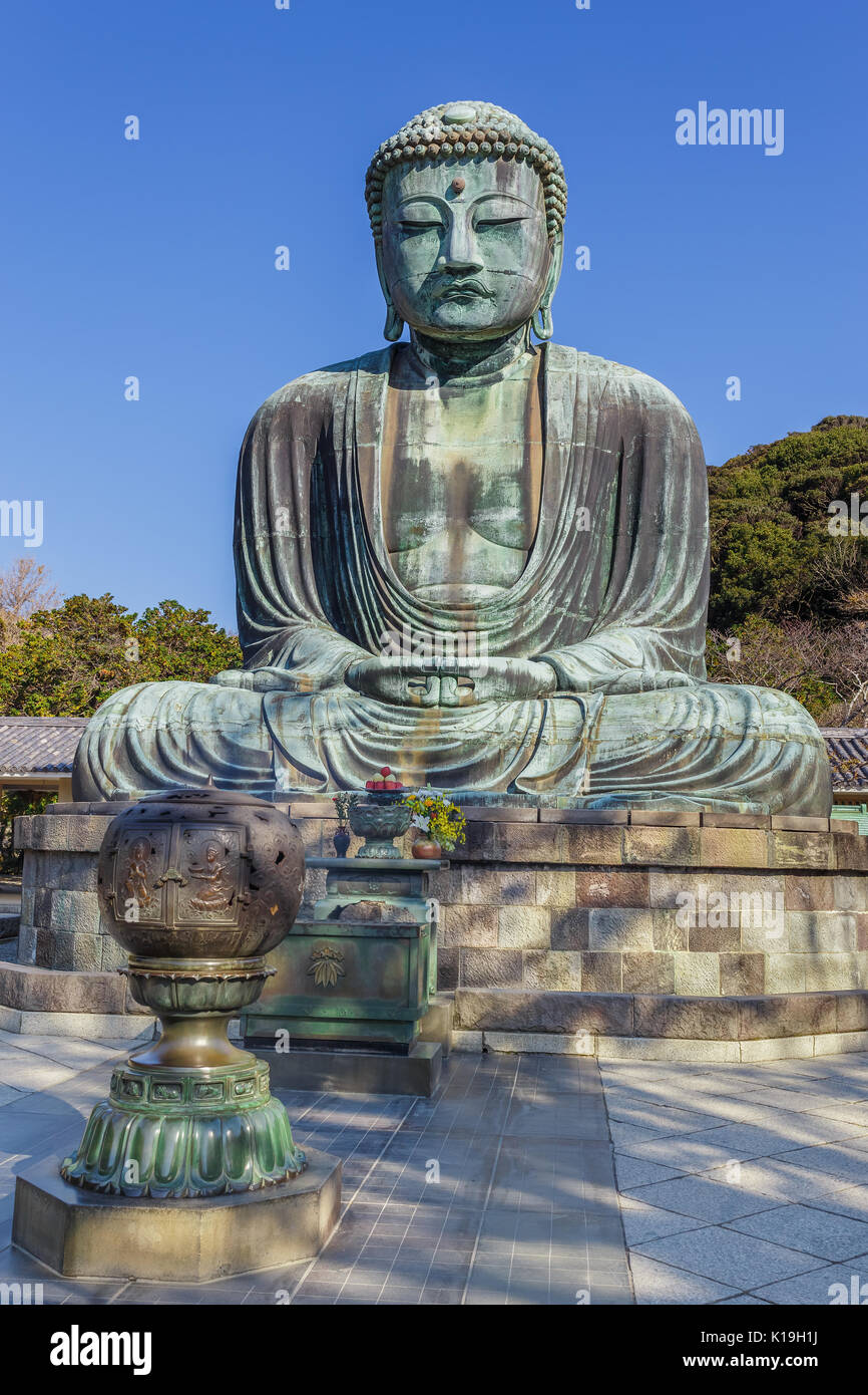 Kamakura Great Buddha & Kotokuin Temple Review - Travel Caffeine