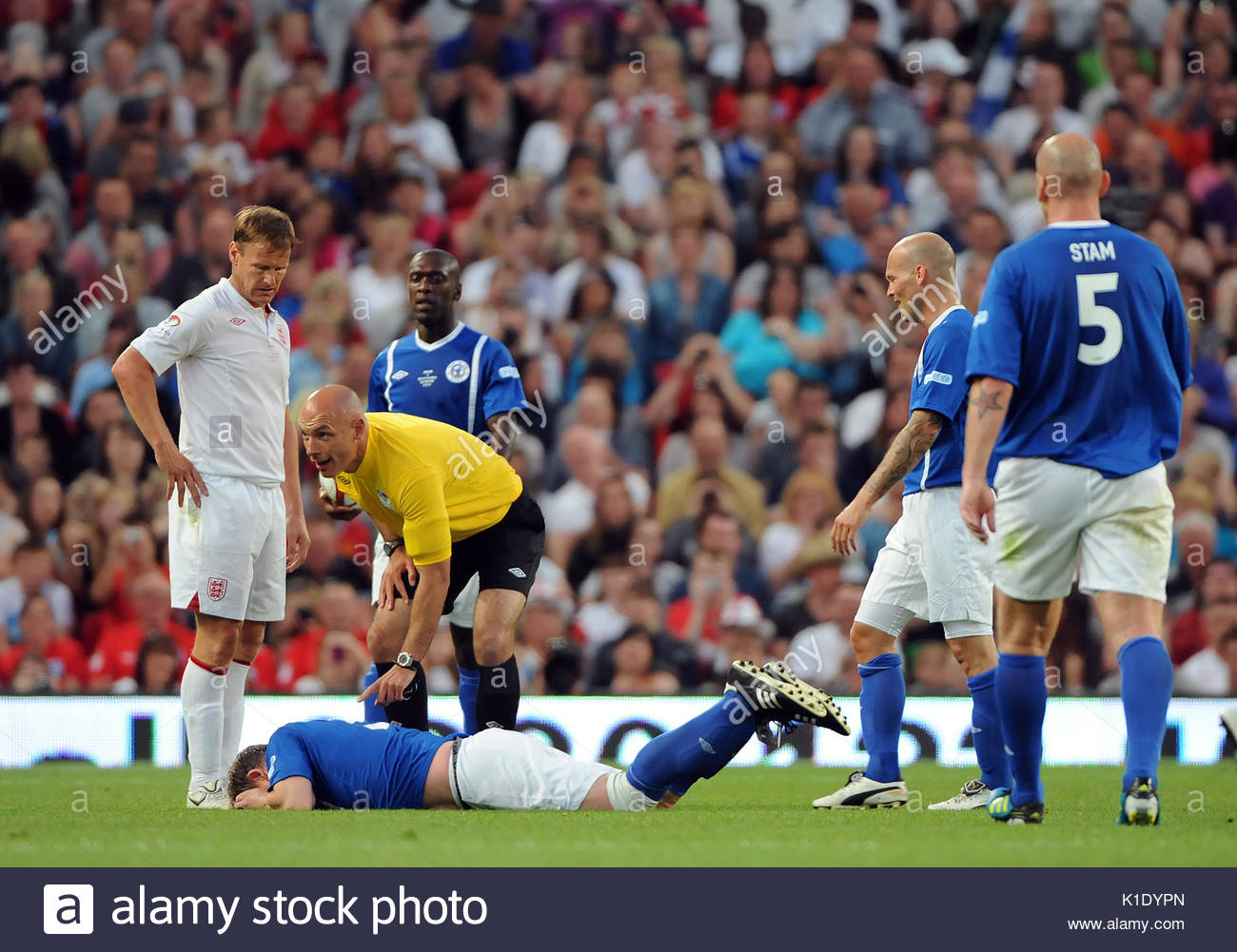 Soccer Aid 2010 Penalty Shoot Out Part 1 - YouTube