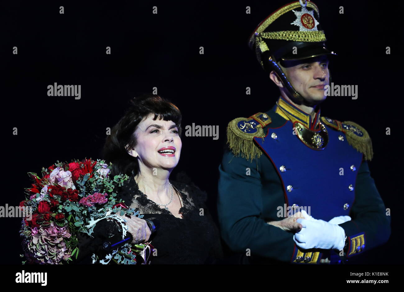 Mireille Mathieu accused the Russian television channel in censorship 07.09.2012