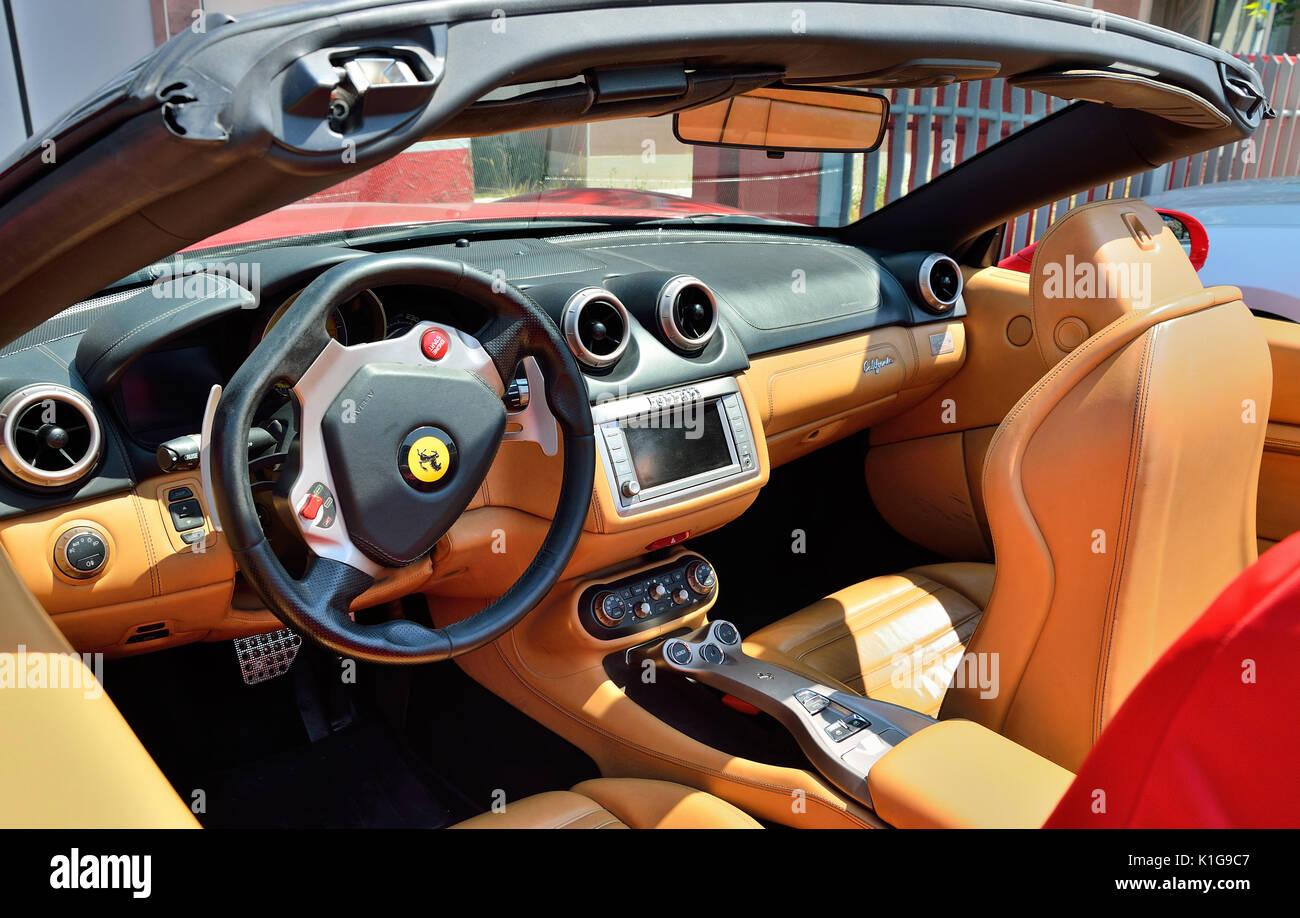 Ferrari California Cabriolet interior Stock Photo: 155866599 - Alamy