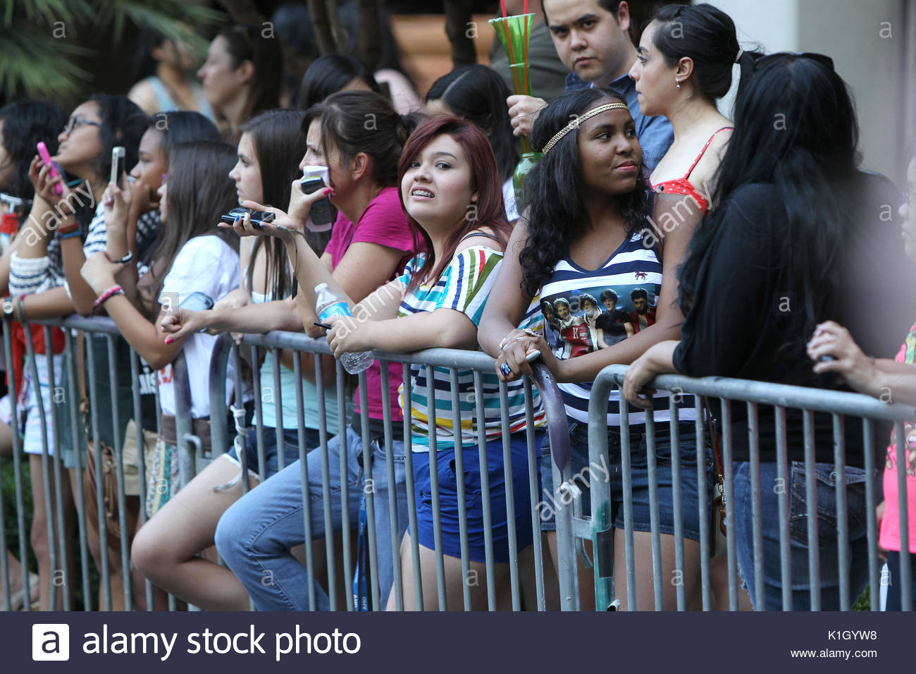 Fans Wait To Catch A Glimpse Of One Direction And Olly Murs In Las
