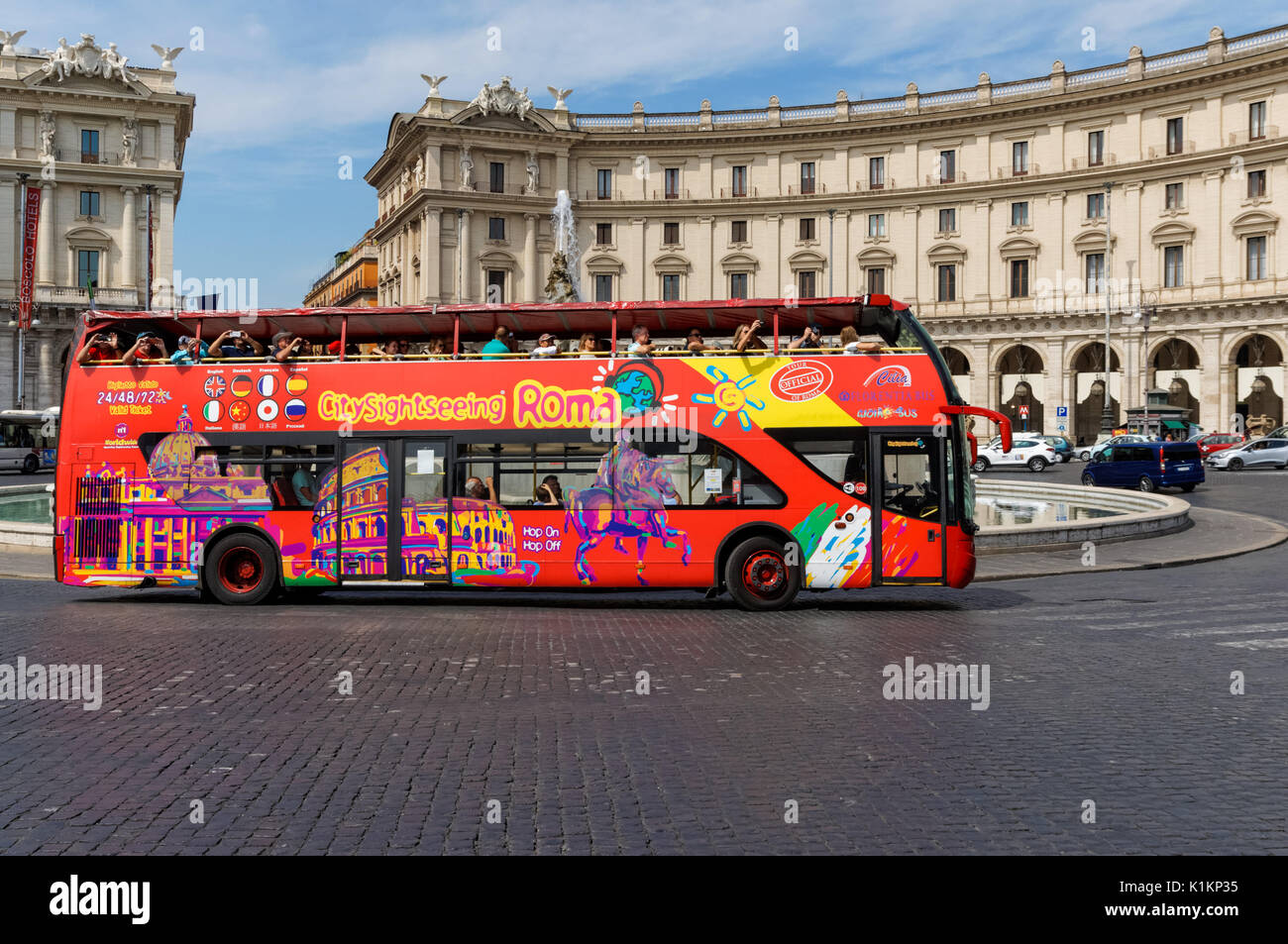 coach bus tour italy stock photos coach bus tour italy stock images alamy. Black Bedroom Furniture Sets. Home Design Ideas