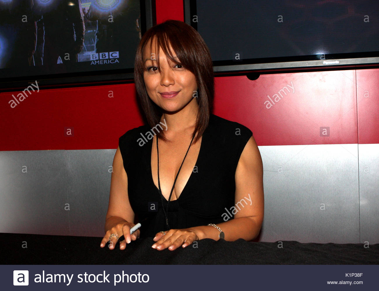 Watch Naoko Mori video