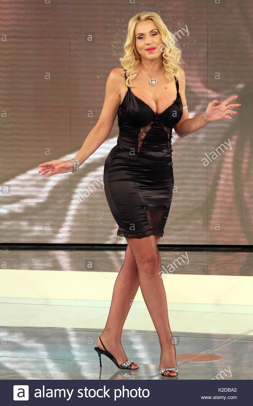 Celebrites Valeria Marini nudes (96 images), Twitter