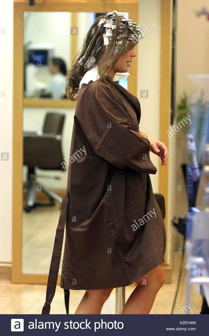 Danielle Lloyd Danielle Lloyd Having Her Hair Extensions Taken Out