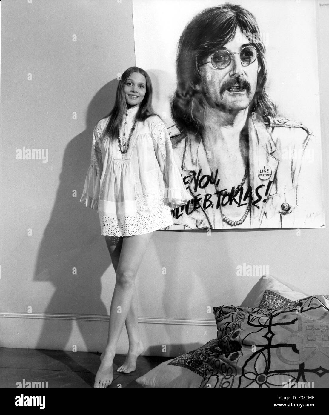 Leigh Taylor-Young Leigh Taylor-Young new pics