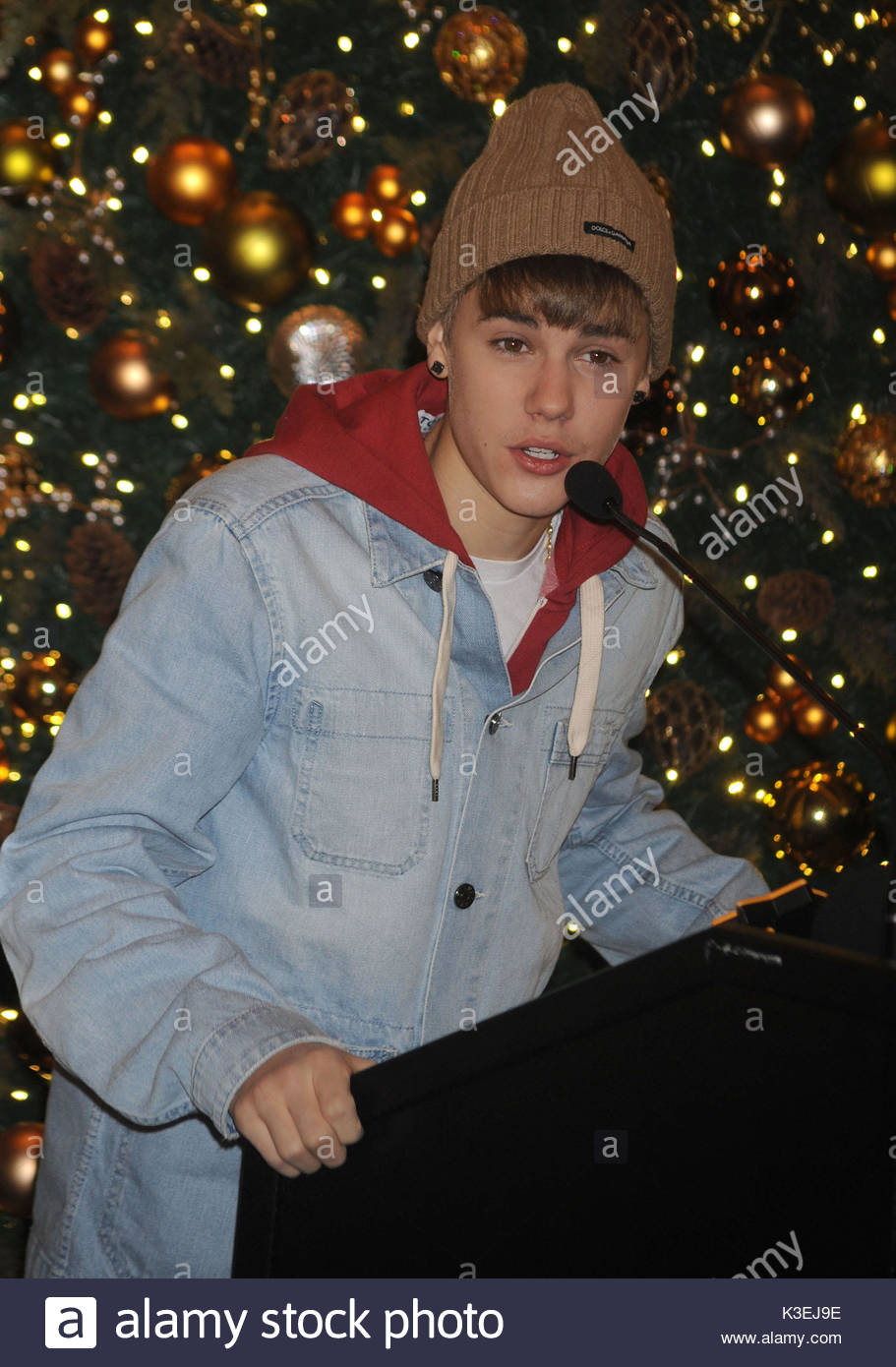 Justin Bieber. Justin Bieber Lights the Empire State Building in ...