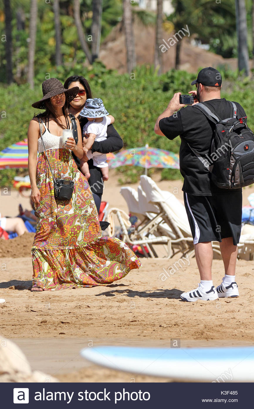 Schön Kevin James, Kannon Valentine And Steffiana De La Cruz. Kevin James U0027King  Of Queensu0027 Was Spotted On The Beach In Maui Hawaii With His Wife And New  Son ...
