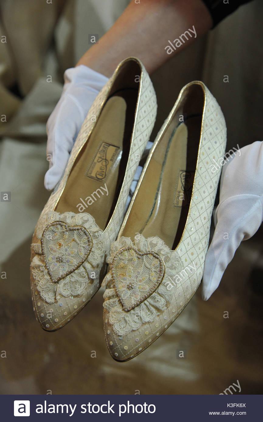 Princess Diana shoes. Chiffon dress worn by Amy Winehouse ...