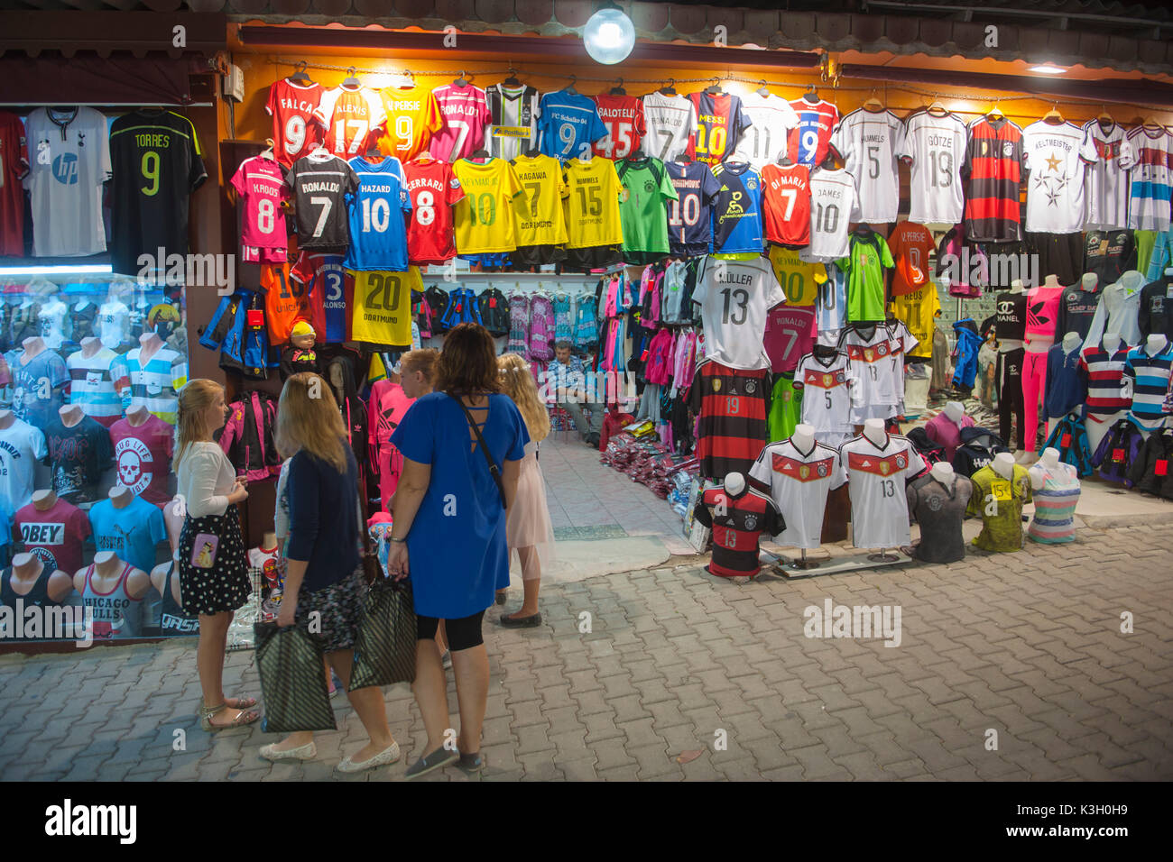 Shopping in Turkey - a popular event