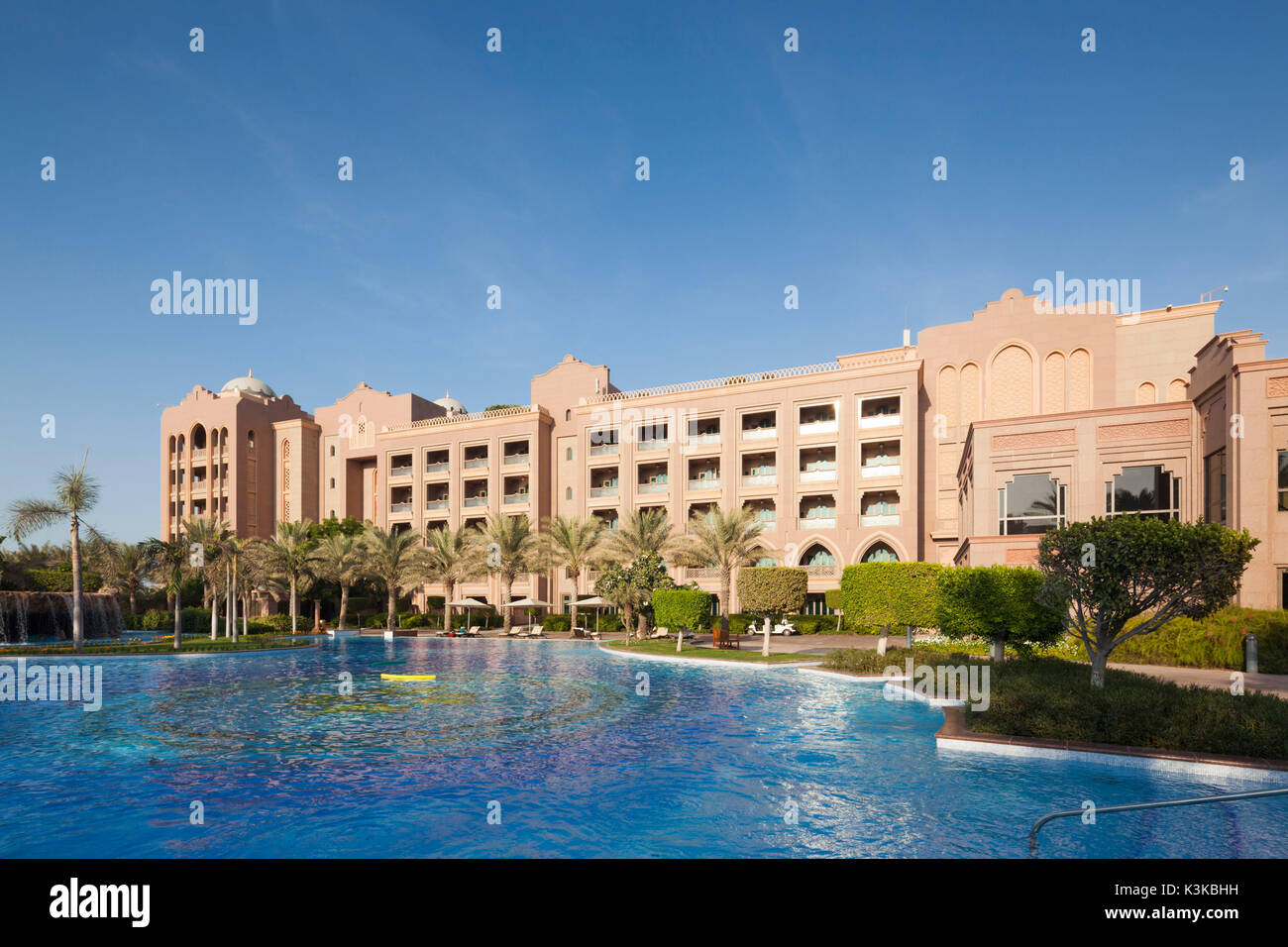 Abu Dhabi Uae Swimming Pool Stock Photos Abu Dhabi Uae Swimming Pool Stock Images Alamy