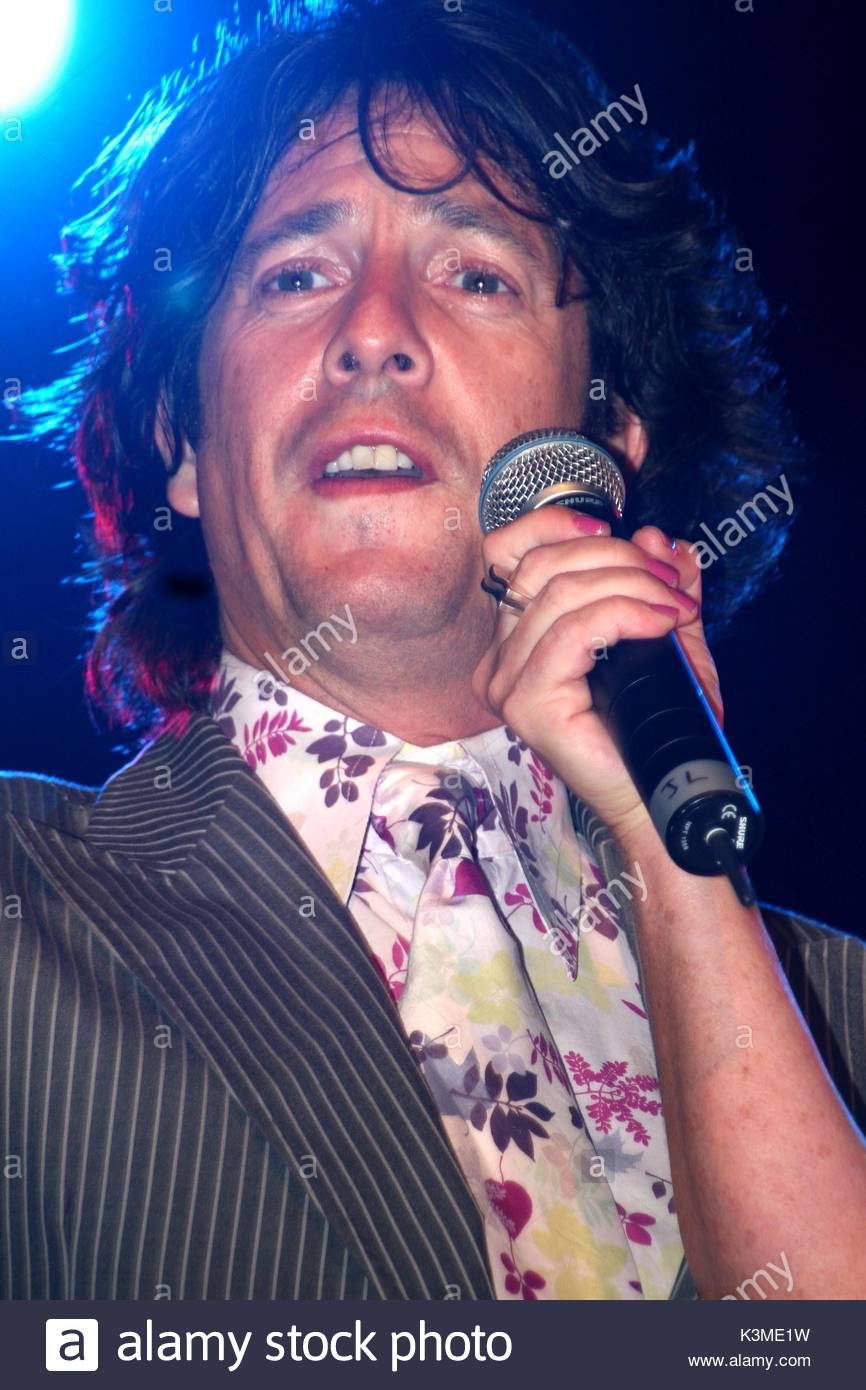 Laurence Llewelyn-Bowen. Laurence LLewelyn-Bowen appears on stage before the big switch on of the 2008 Blackpool Illuminations. The greatest free light show ...  sc 1 st  Alamy & Laurence Llewelyn-Bowen. Laurence LLewelyn-Bowen appears on stage ... azcodes.com