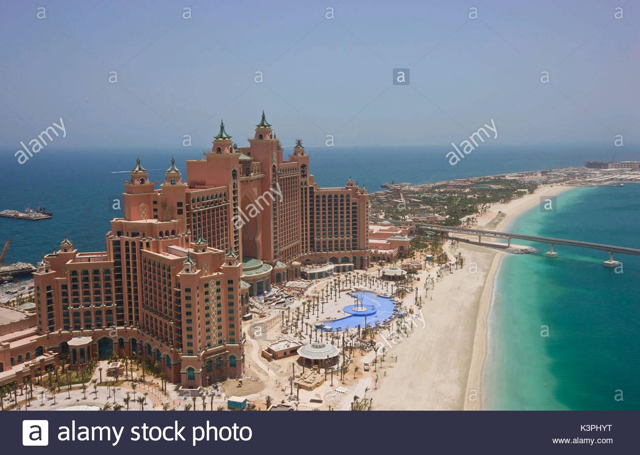Atlantis dubai water park stock photos atlantis dubai for Dubai palm hotel