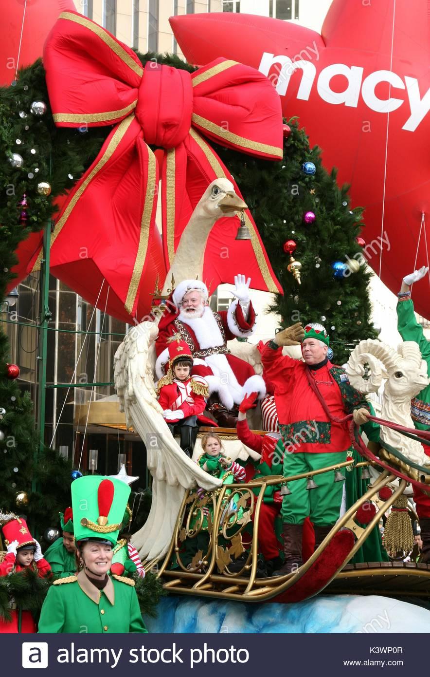 Santa Claus Sleigh City Stock Photos & Santa Claus Sleigh ...