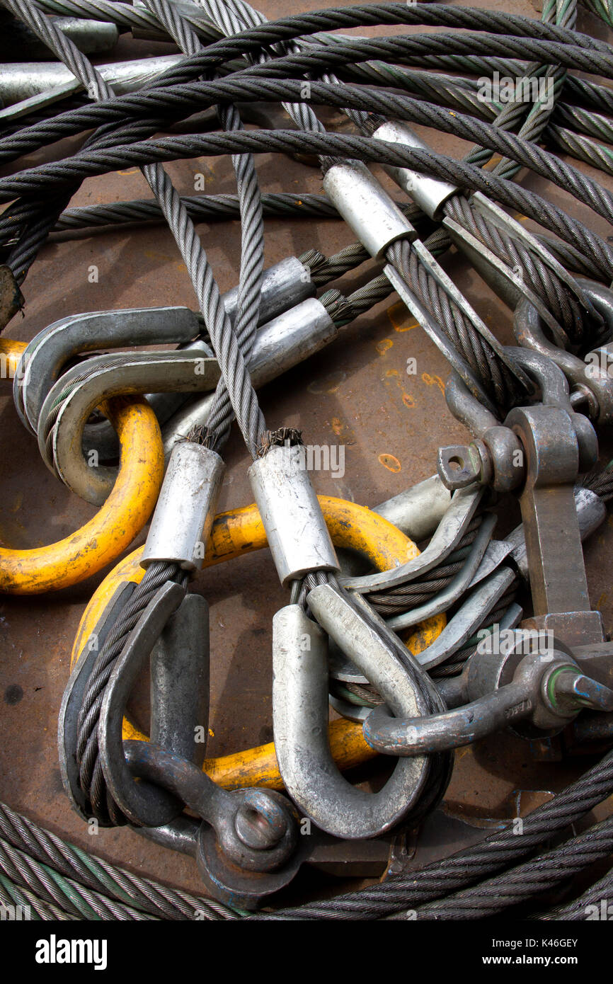 Heavy duty steel wire rope sling with safety anchor shackle bolt in ...