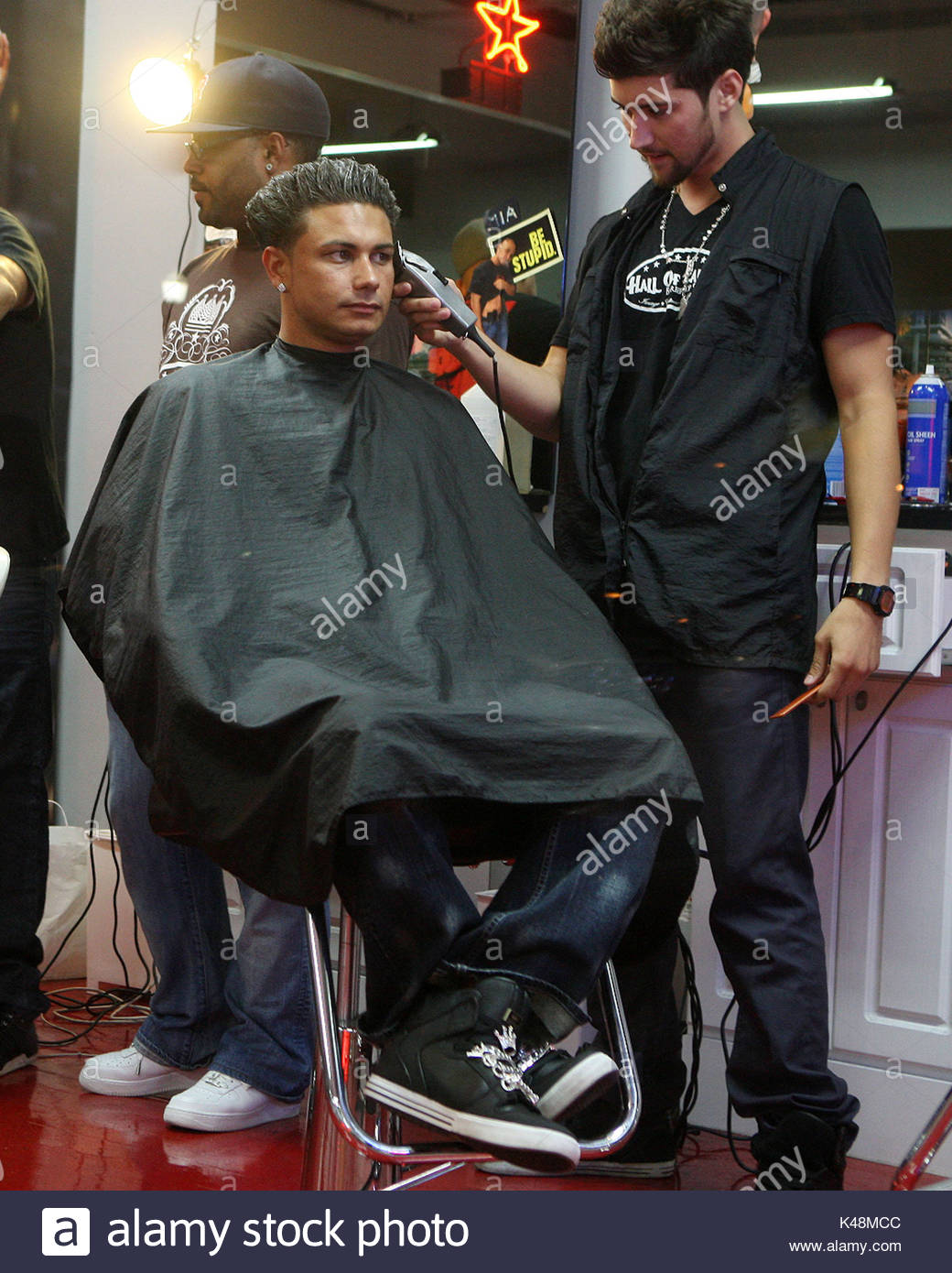 Paul Pauly D Delvecchio The Guys Of The Jersey Shore Cast Get