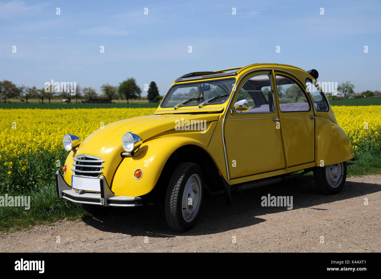 citroen 2cv charleston stock photos  u0026 citroen 2cv charleston stock images
