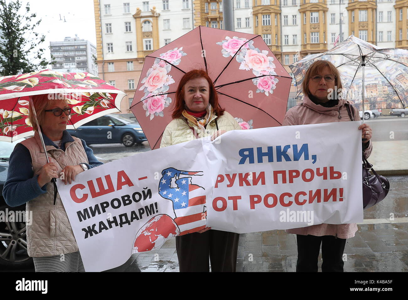 Com Russian Women Hold