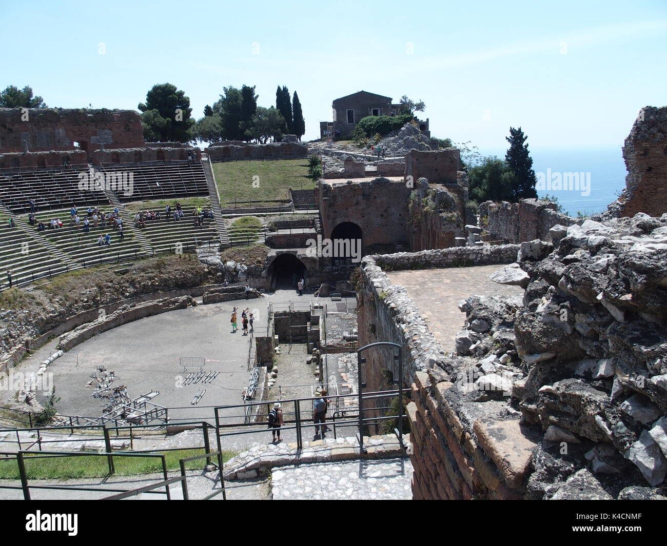 the theatre of ancient greece and rome One of the key points of ancient greek philosophy was the role of reason and   around the mediterranean and influenced hellenistic and roman theatre.