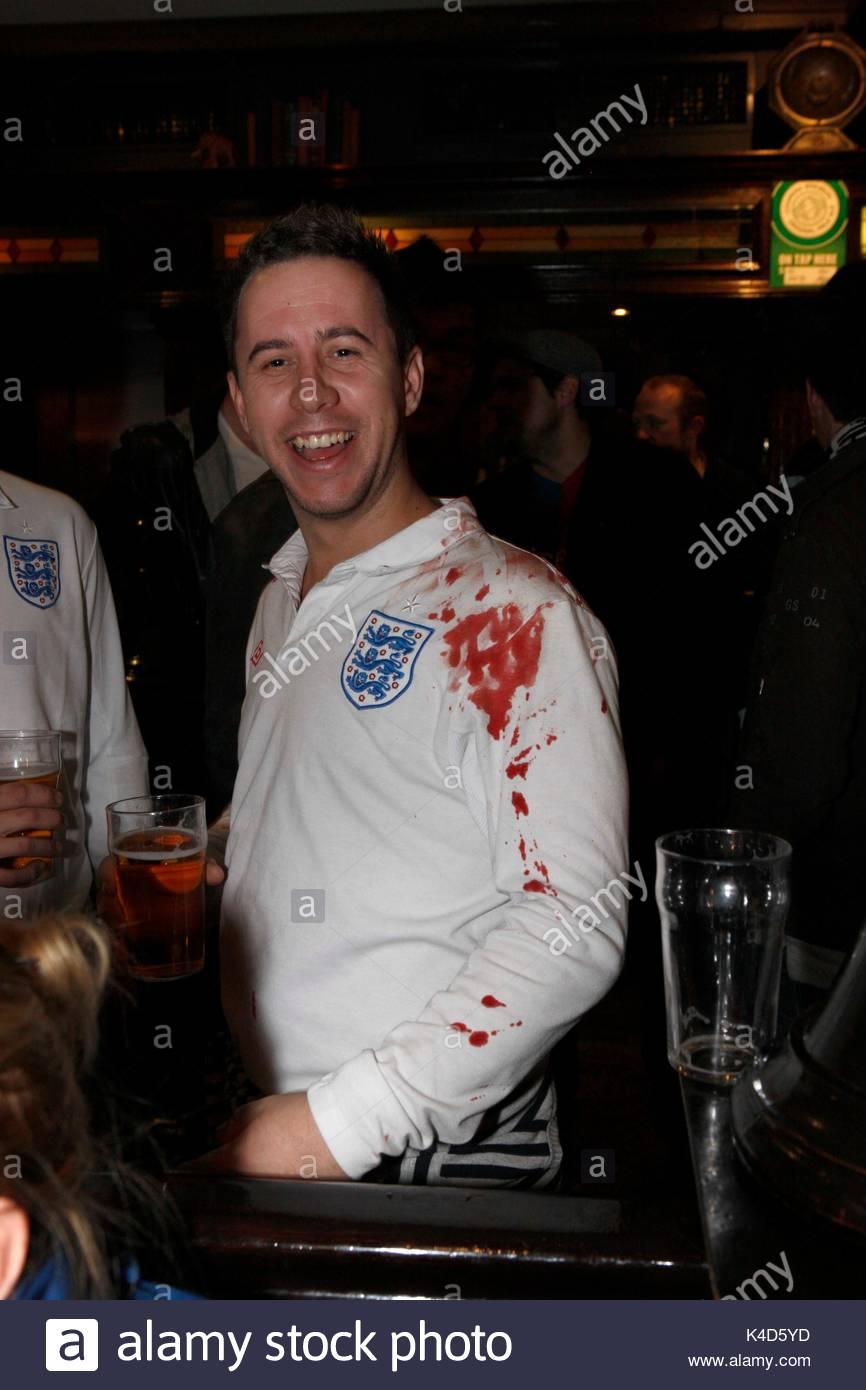 Chuyện khó đỡ ở Anh Quốc: Vừa mời bia kết thân xong đã bị đánh gục