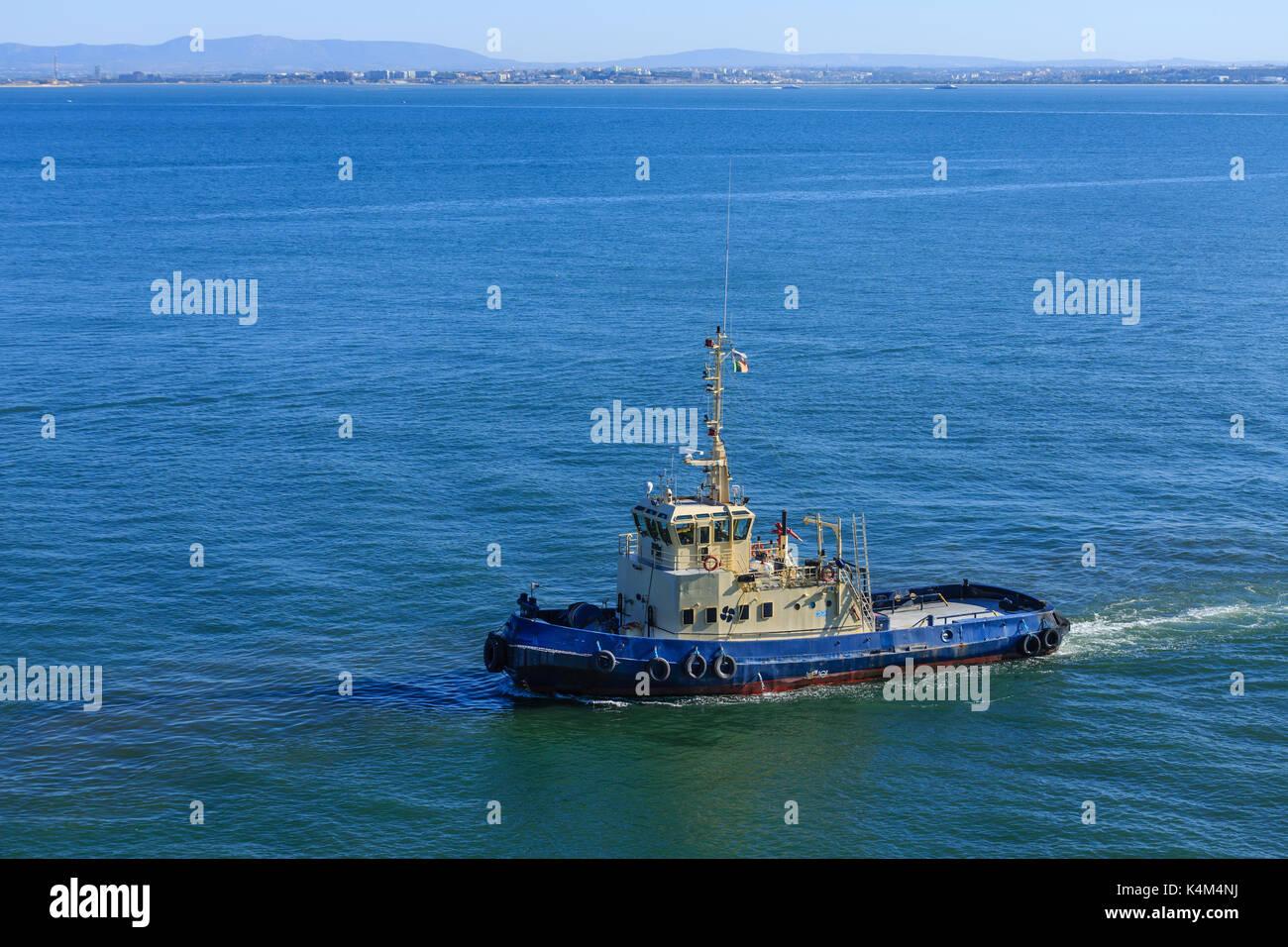 tug boat tugboat stock photos u0026 tug boat tugboat stock images