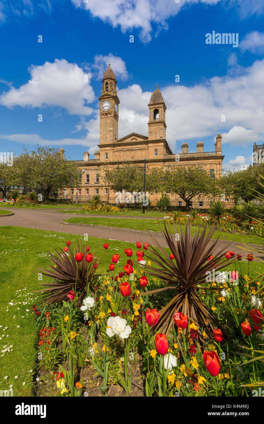 Paisley Town Hall and gardens at Dunn Square, Paisley, Renfrewshire ...