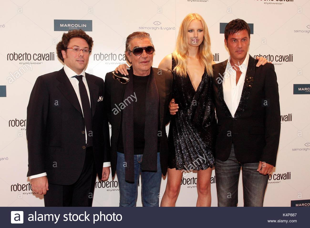 Roberto Cavalli And Karolina Kurkova Stock Photos & Roberto Cavalli ...