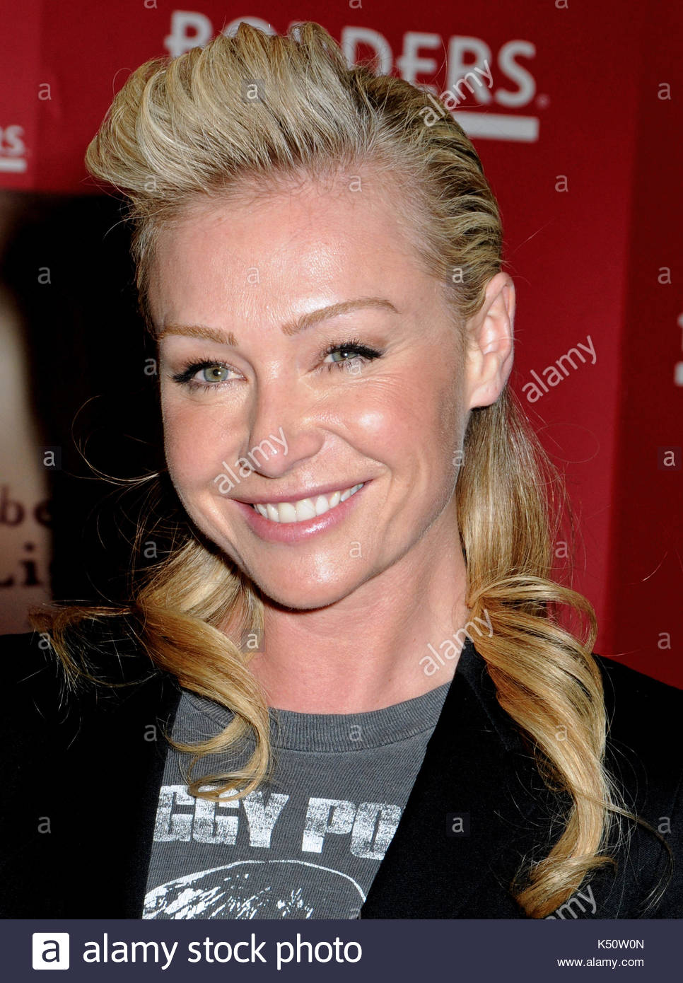 Portia De Rossi. Portia De Rossi Book Signing At Borders For