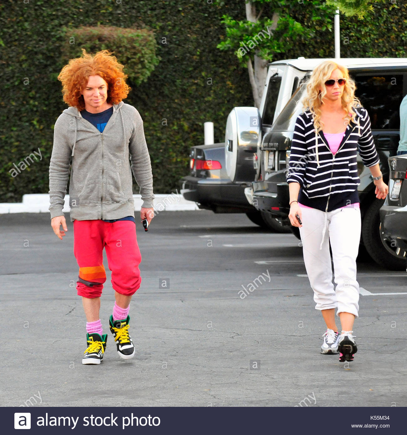 Does Carrot Top Have A Girlfriend
